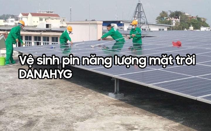 Vệ sinh hệ thống điện năng lượng mặt trời tại Đà Nẵng