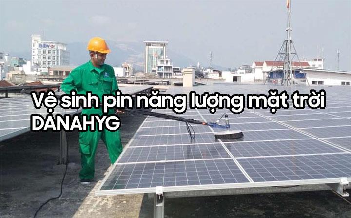 Vệ sinh pin năng lượng mặt trời tại Đà Nẵng