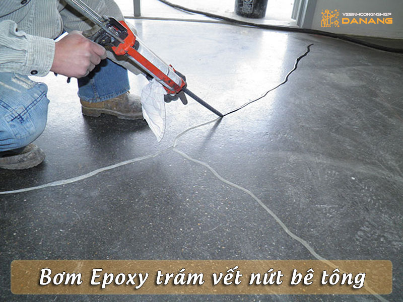 bom-epoxy-tram-vet-nut-be-tong-vesinhcongnghiepdanang