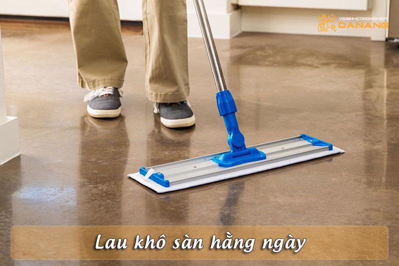 lau-kho-san-hang-ngay-vesinhcongnghiepdanang